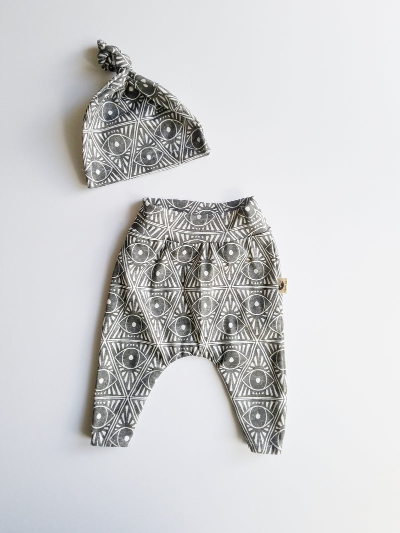 NEWBORN LEGGING + HAT SET - TRIBAL EYES