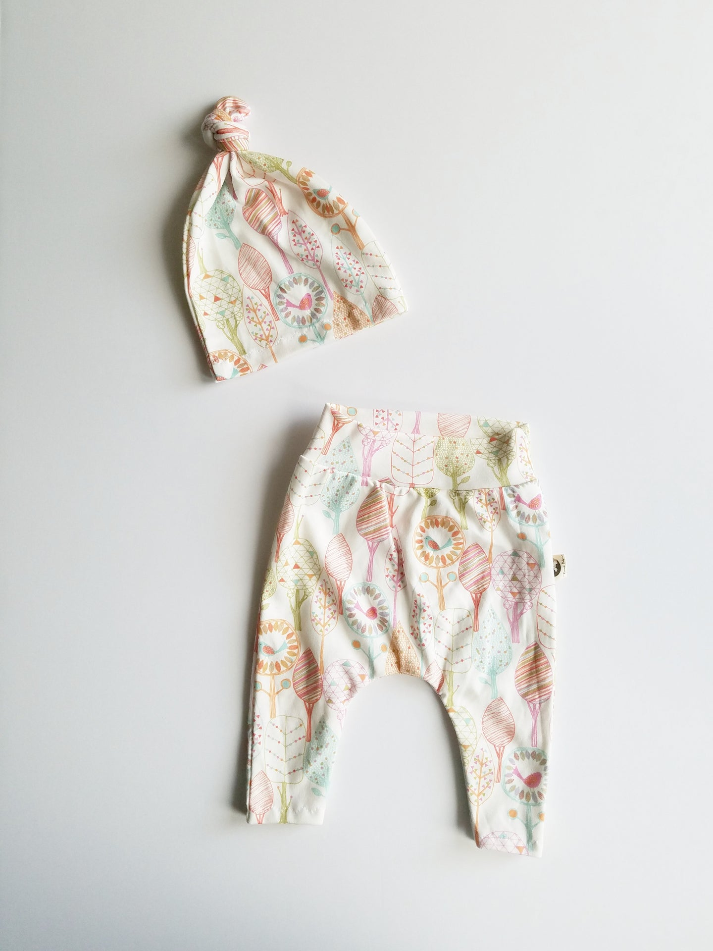 NEWBORN LEGGING + HAT SET - TREE BIRDS