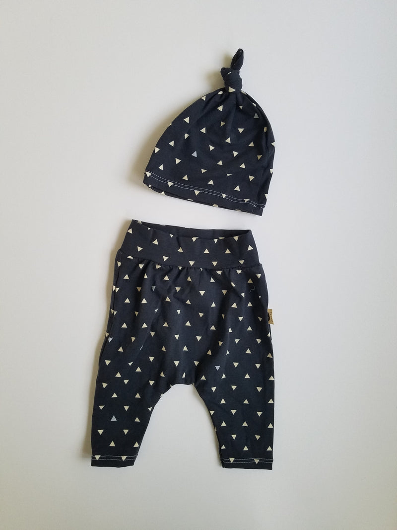 LEGGING + HAT SET - NAVY TRIANGLES