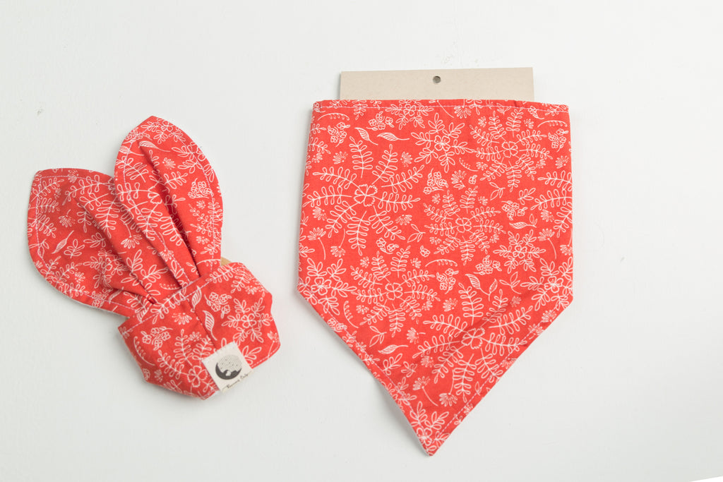 LITTLE DROOL DRIBBLER STARTER COLLECTION - RED FLORAL