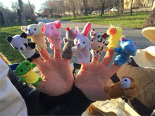 Finger Puppets Outside | Kids Party | Present Pal