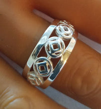 ring09, Large Multi Symbol Ring