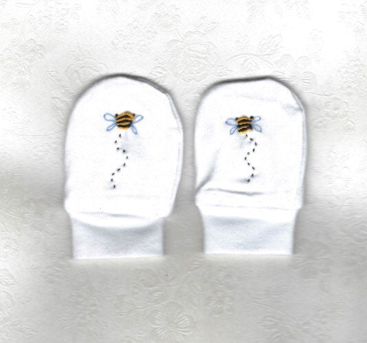 Hand Embroidered White Bee Mittens - Little Branches Boutique