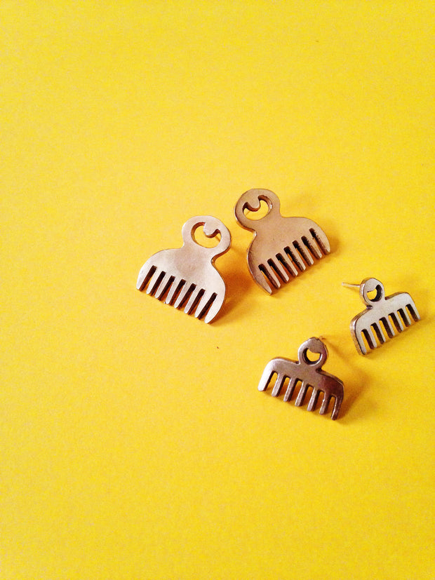 Duafe Adinkra Stud Earrings// African Symbol Earrings