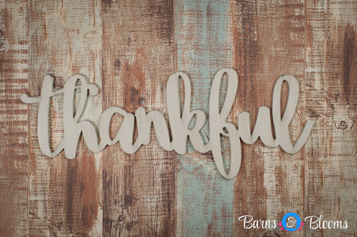 Thankful handwritten font wall hanging