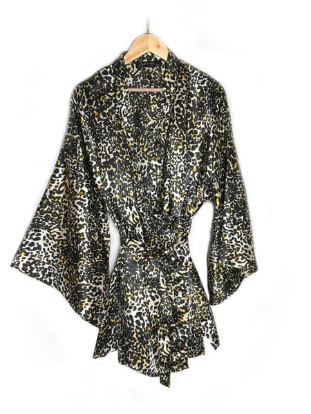 breast cancer clothing_animal print_robe