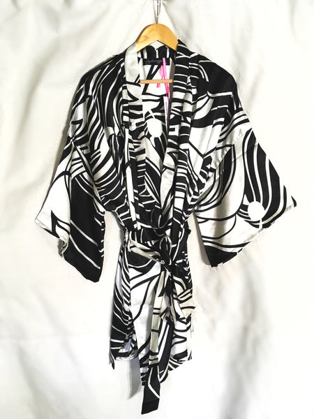 breast cancer clothing_black and white_robe