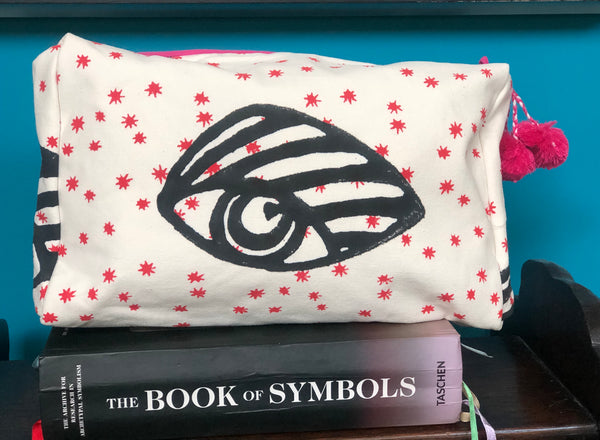 * SALE * signature eye cosmetic bag