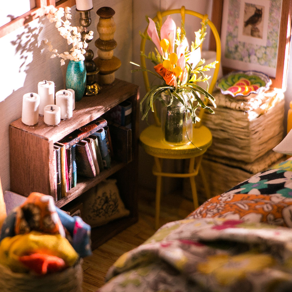 DIY Dollhouse-Alice's Dreamy Bedroom