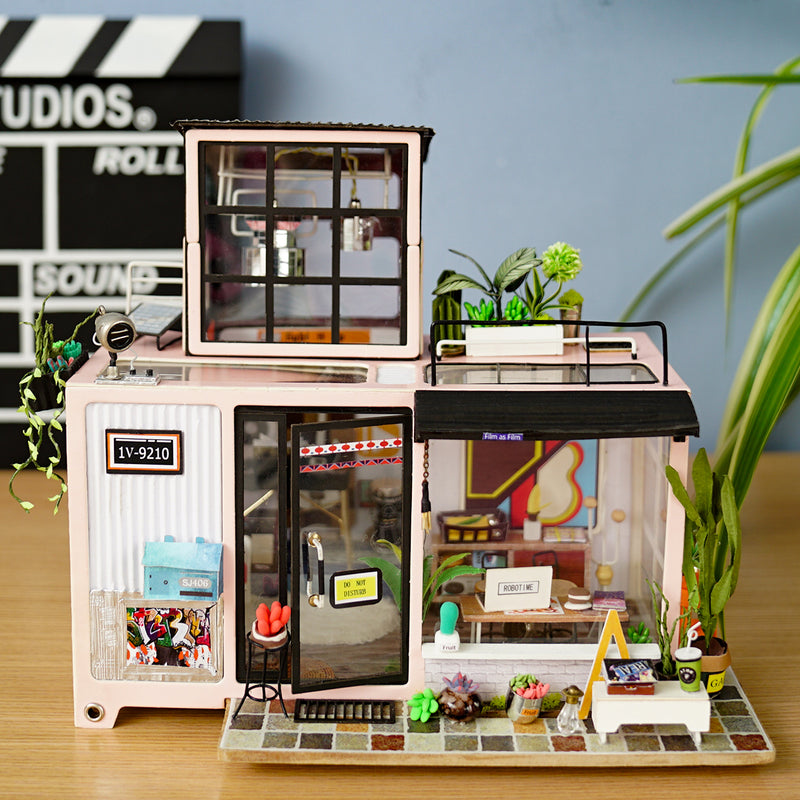 Kevin's Studio DG13 DIY Miniature Dollhouse Music Studio