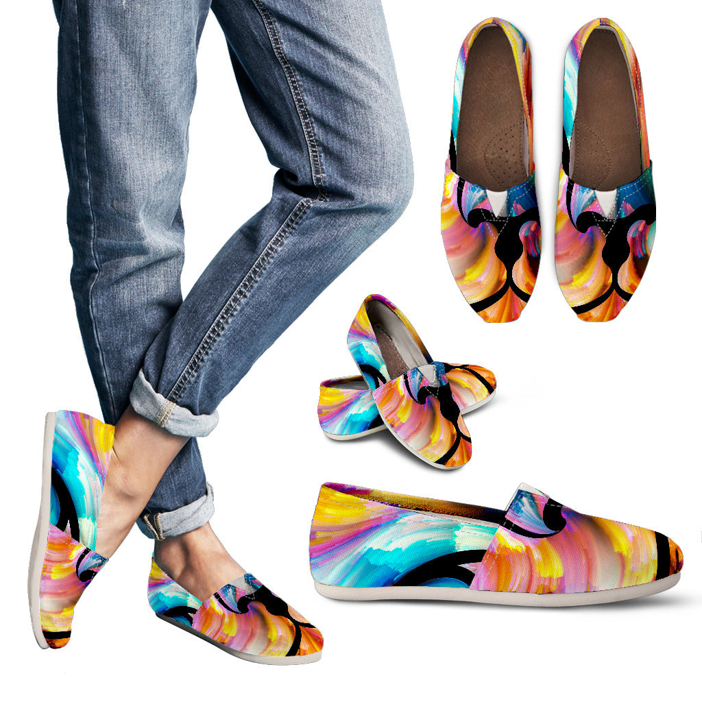 Cat Backdrop Women's Casual Shoes
