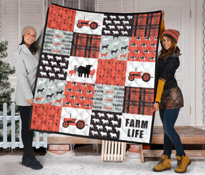 Farm life - Quilt -Red
