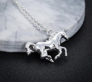 Jewelry Vintage Courage Horse Charm Necklaces