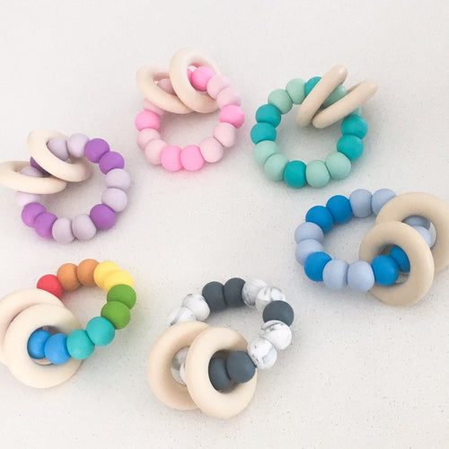 One.Chew.Three Gummi Silicone Teether