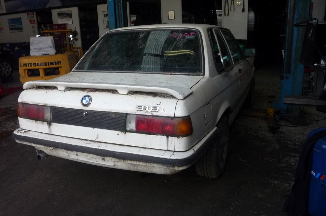 S2028 3' E21 Coupe 318i M10 MANUAL 1982/01