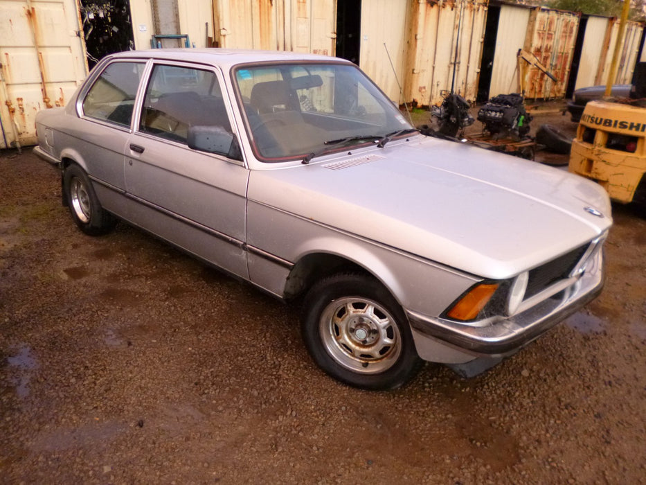 S2289 3' E21 Coupe 318i M10 MANUAL 1981/09