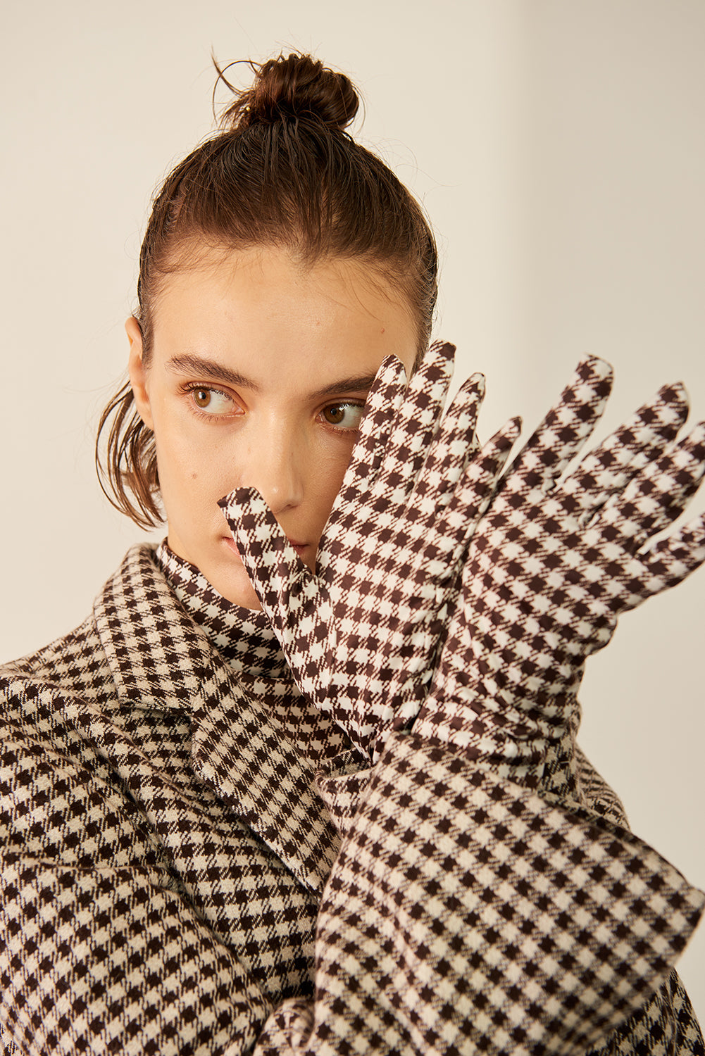 Turtleneck Top With Gloves-Checked