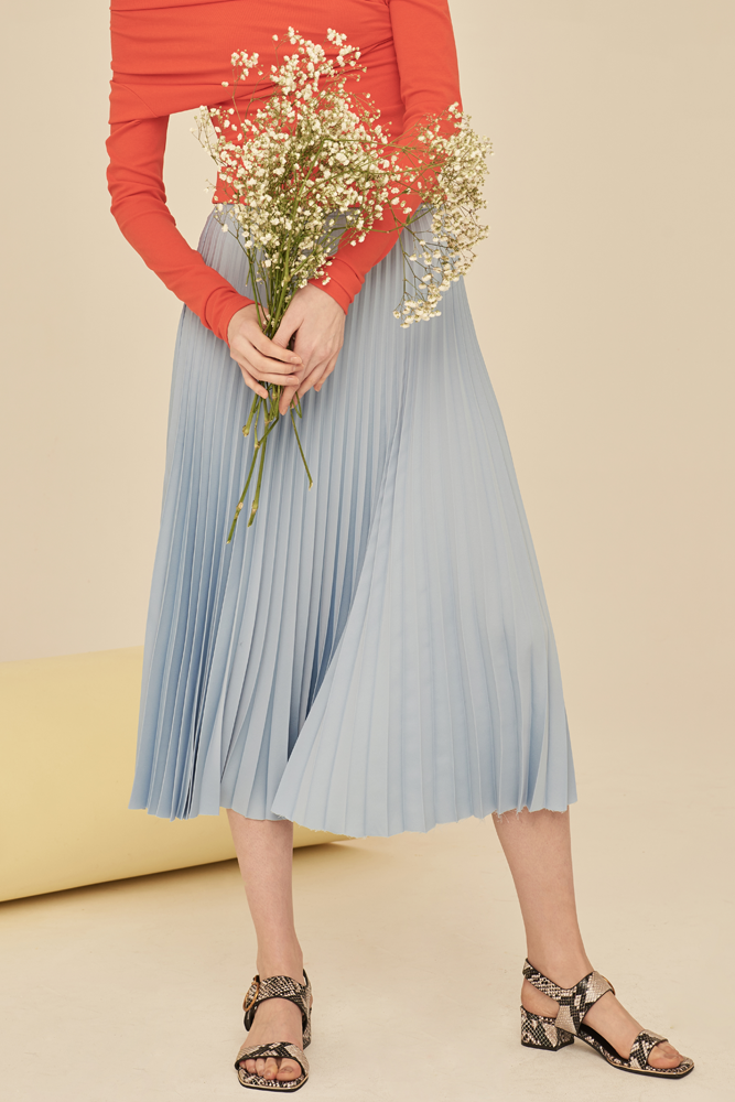 Pleated Midi Skirt-Light Blue - front row shop