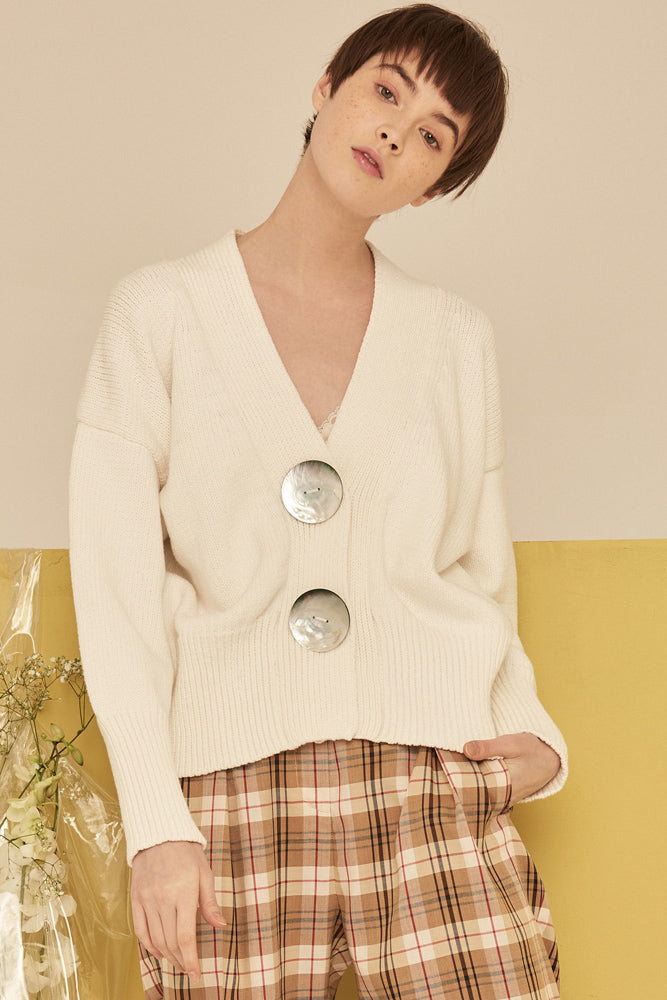 Slouchy Chunky Kint Cardigan Sweater With Mega Button-Cream