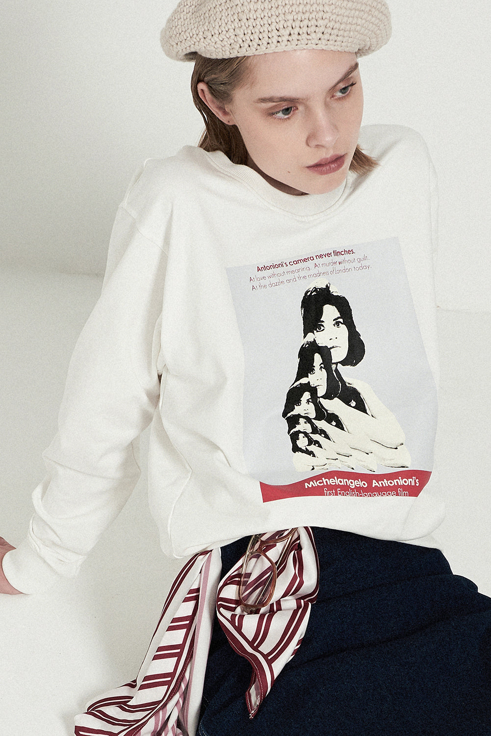 Movie Poster Print Sweatshirt-White - front row shop