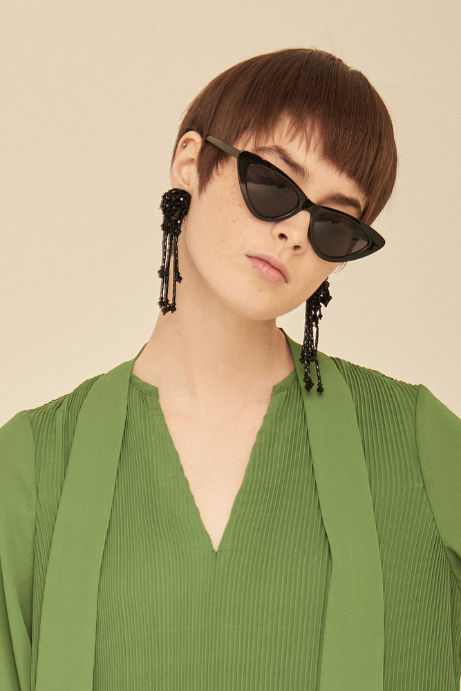 Small Cat Eye Sunglasses-Black