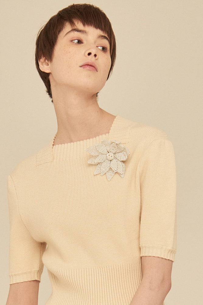 Bead-embellished Flower Brooch - front row shop