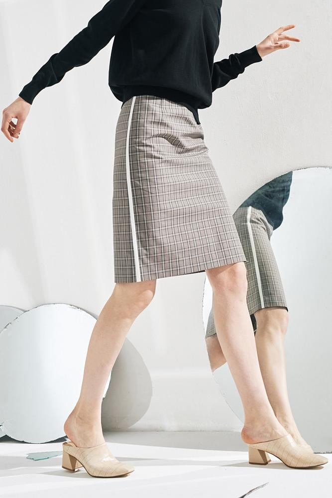 Pencil Skirt With Side White Line - front row shop