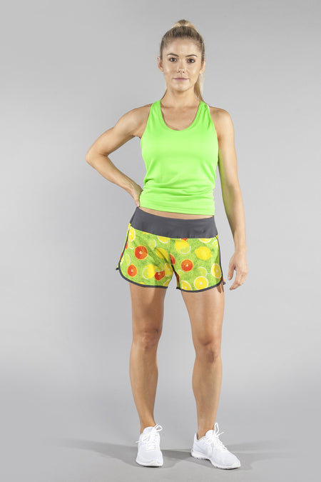 WOMEN'S STAMINA STRETCH RUN SHORT- HAPPY HOUR