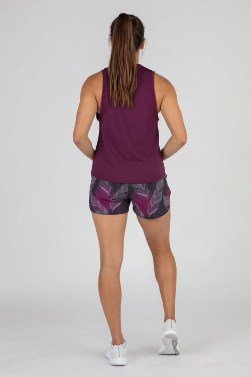WOMEN'S ACTIVE EASE CROP RUNNING TANK TOP- EGGPLANT