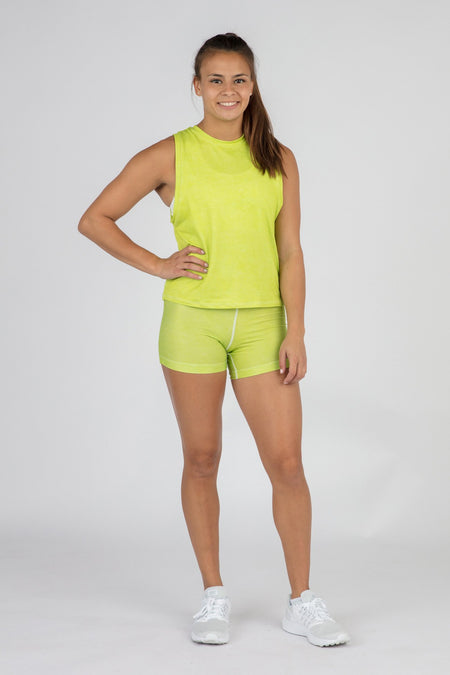 WOMEN'S ACTIVE EASE CROP RUNNING TANK TOP- PESTO
