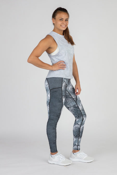 WOMEN'S HYPERSOFT TWISTY BACK RUNNING TOPS- CURRENT BLUE/BLACK