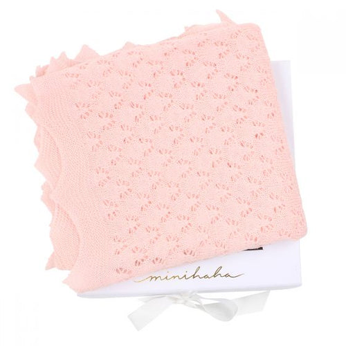 Scalloped Edge Blanket - Pink