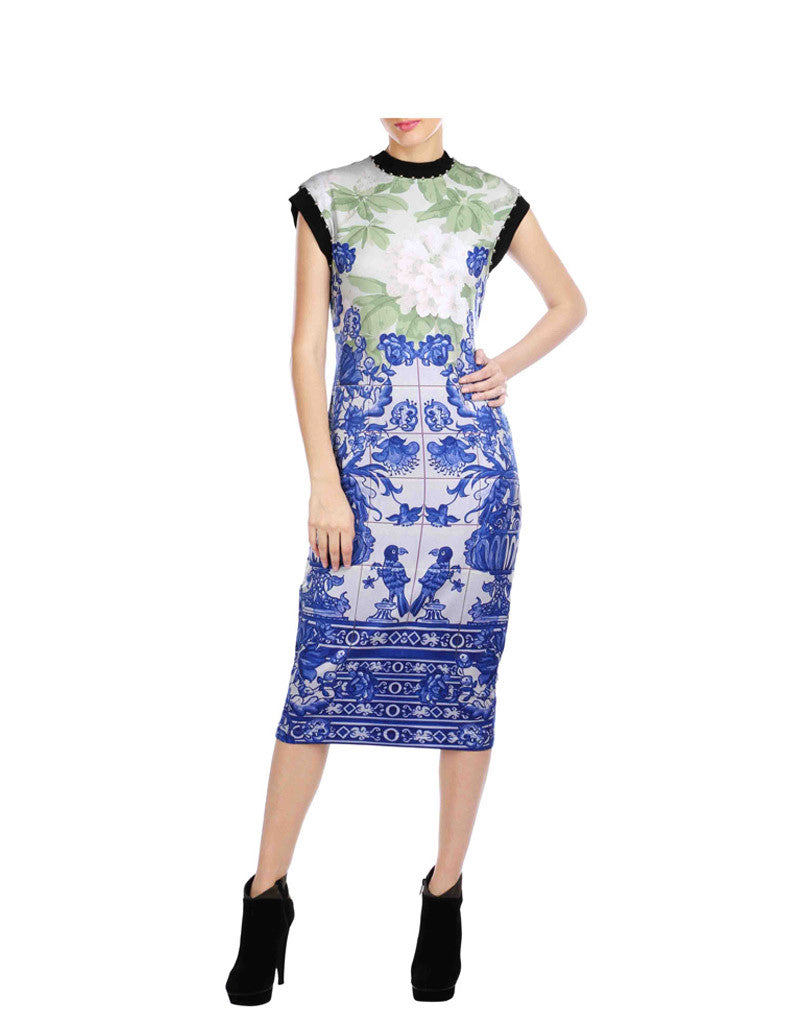 Madison Blue And Green Printed Calf Length Dress