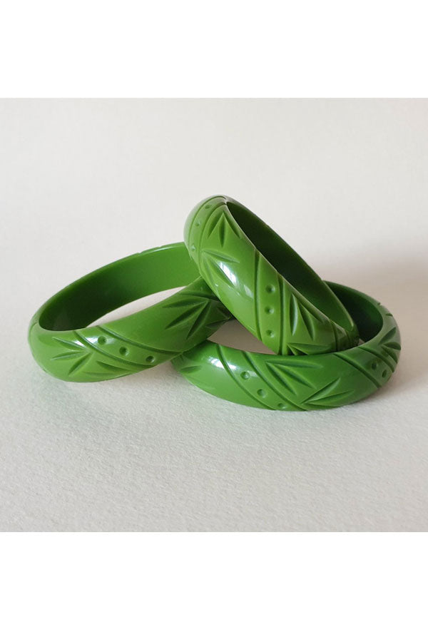 Pear Green Fakelite Medium Bangle |  1940s & 1950s Style | Weekend Doll