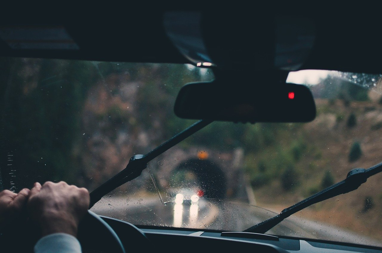 Should You Wear Your Sunglasses When Driving in the Rain?