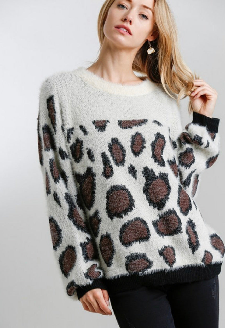 Cream+Leopard Sweater