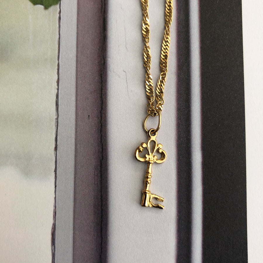 'Hayley' 9ct Vintage Gold Key Charm
