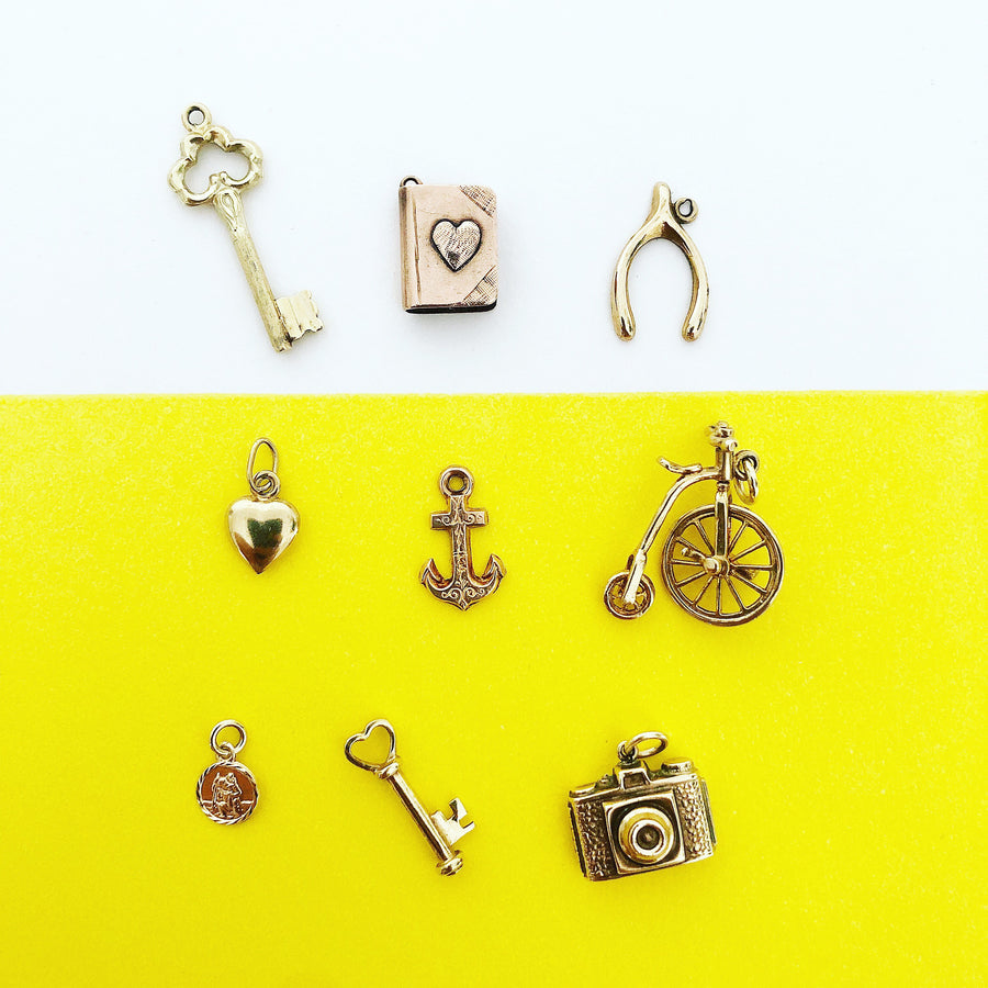 'Amour' 9ct Vintage Gold Book of Love Charm