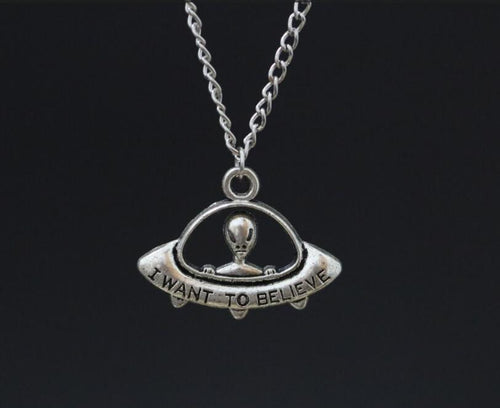 Alien Space Ship UFO Pendant Necklace In Gift Alloy Ancient Silver  I want to believe Pendants Charms