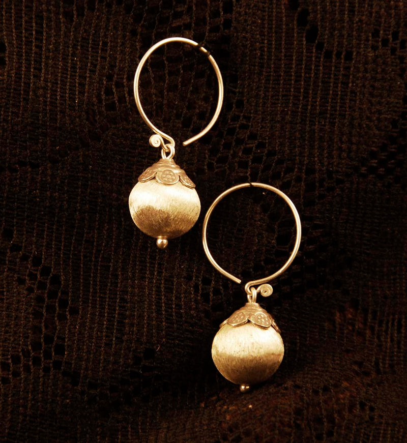 Globe Hanging Earrings - Silver - Ekeko Crafts