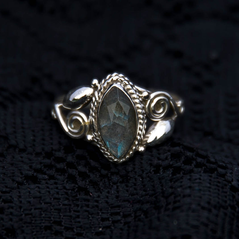 labradorite sterling silver tribal ring