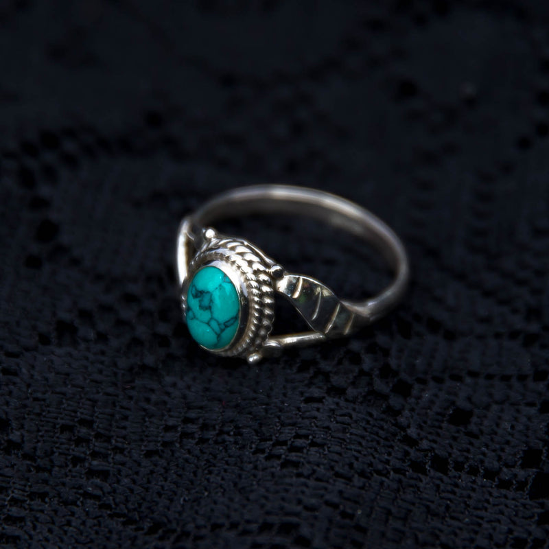 Simple Leaf Ring - Silver - Turquoise - Ekeko Crafts