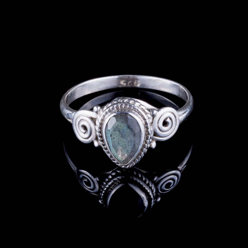 Anand Ring - Labradorite - Ekeko Crafts