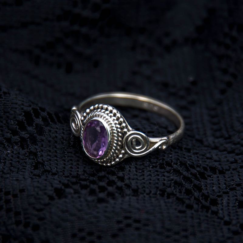 Jai Ring - Silver - Amethyst - Ekeko Crafts