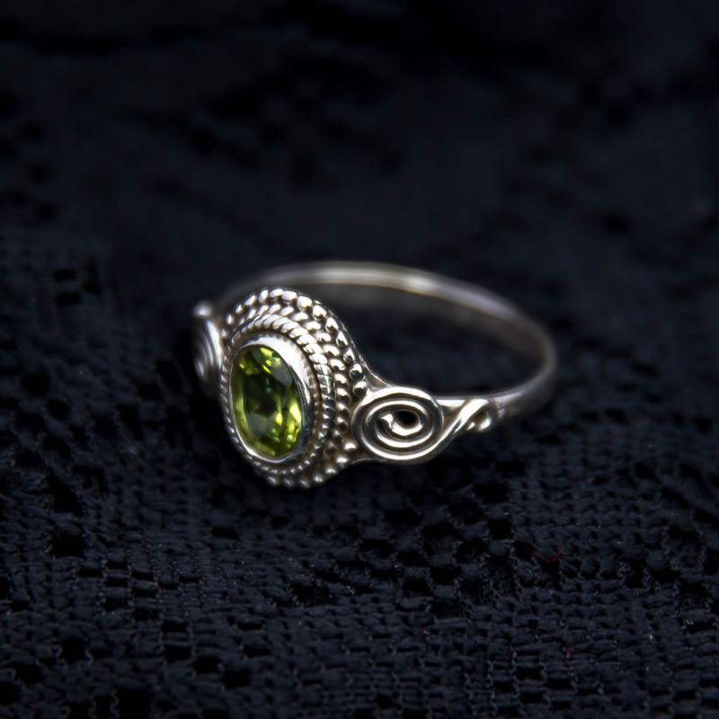 Jai Ring - Silver - Green Peridot - Ekeko Crafts