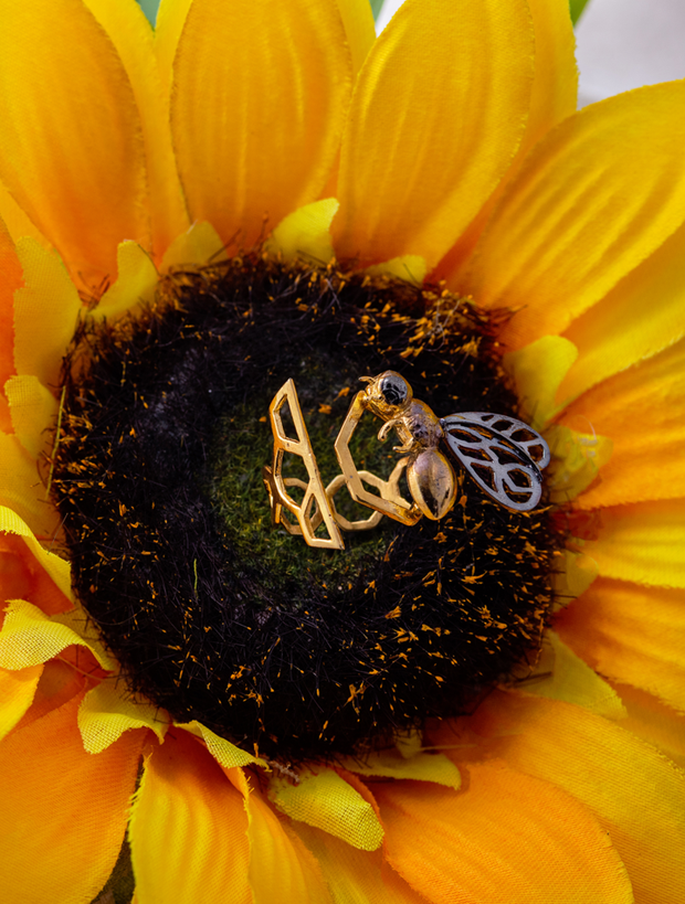 The strength of bee - Ring