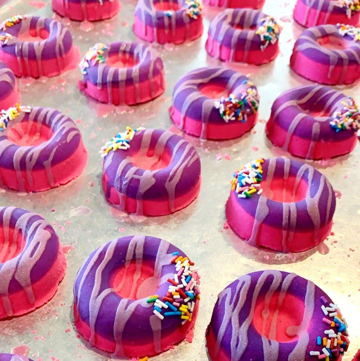 BATH FIZZY - MINI SPRINKLE DIPPED DONUT PINK