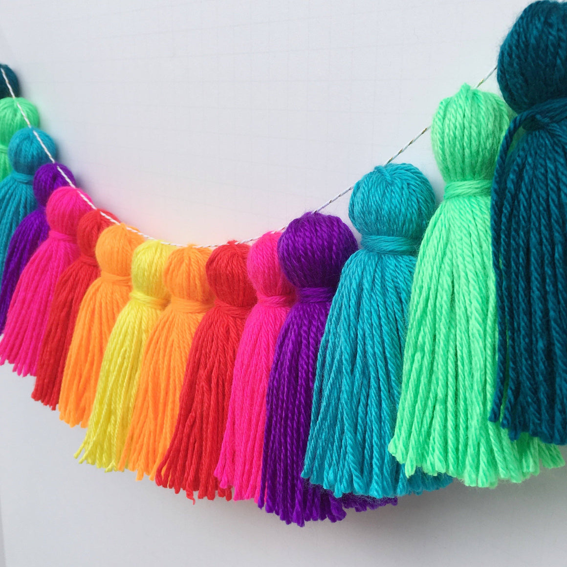 TASSEL GARLAND - YARN SPECTRUM