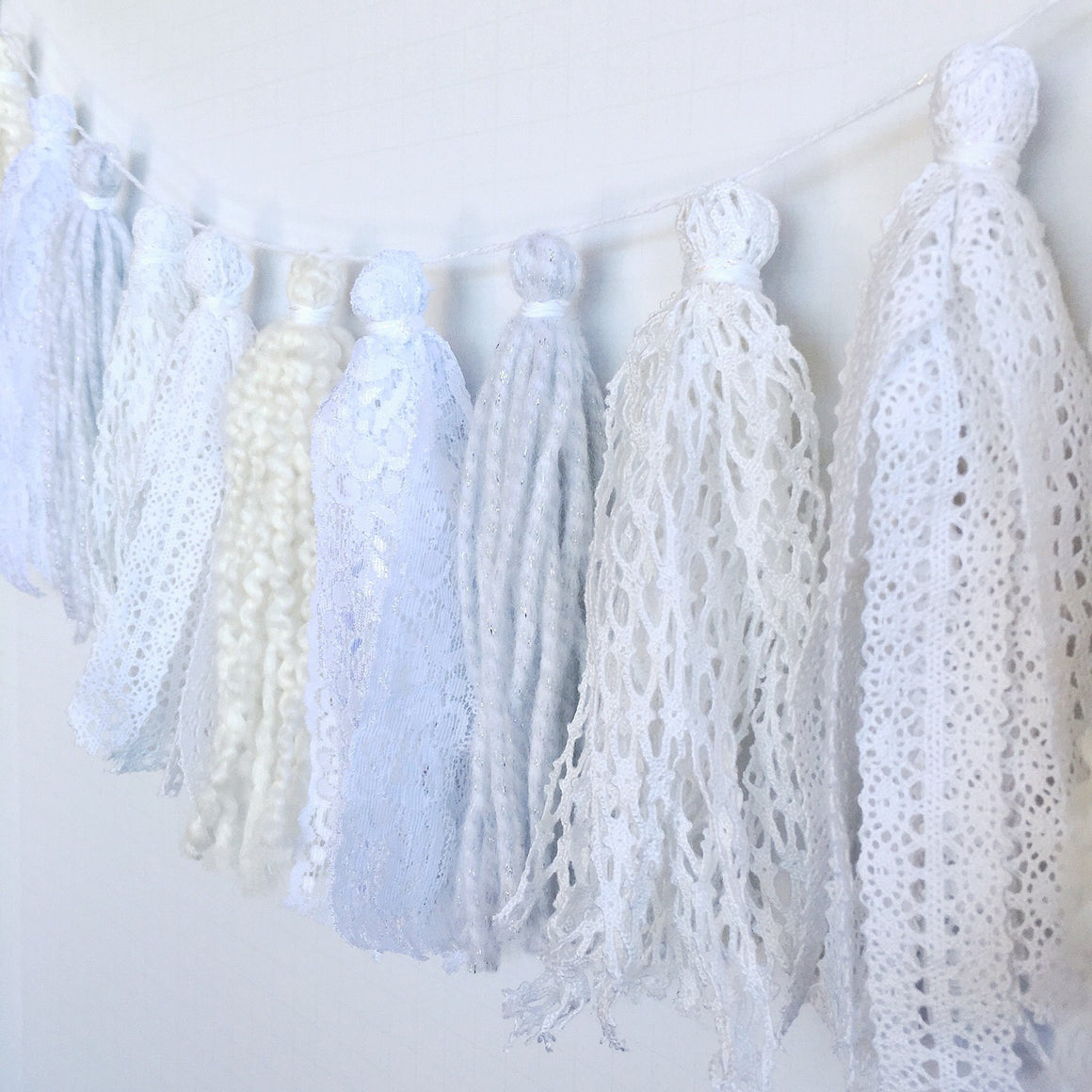 TASSEL GARLAND - FABRIC MIXED WHITEOUT