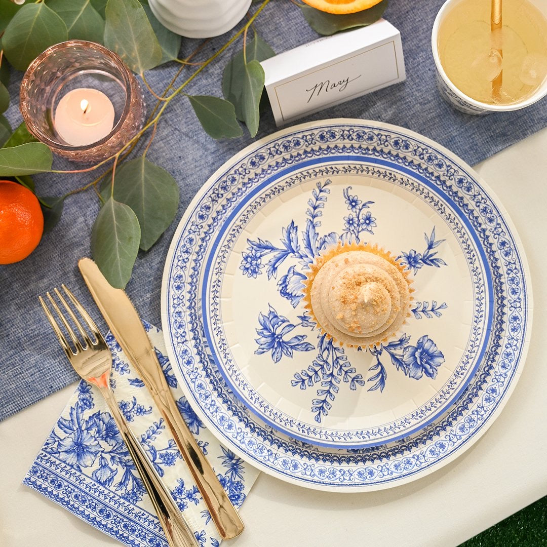 PLATES - SMALL FRENCH TOILE